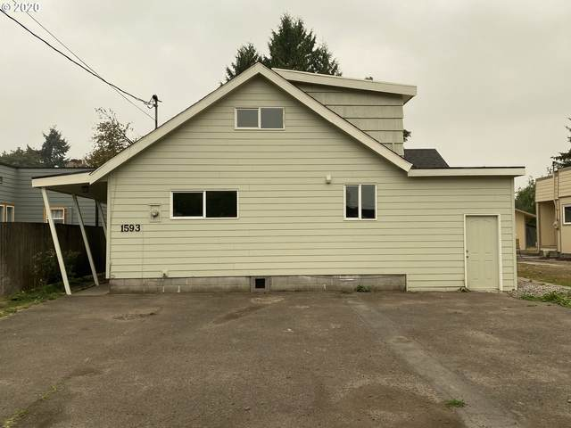 1593 Kinnear St, Kelso, WA 98626 (MLS #20529030) :: Townsend Jarvis Group Real Estate
