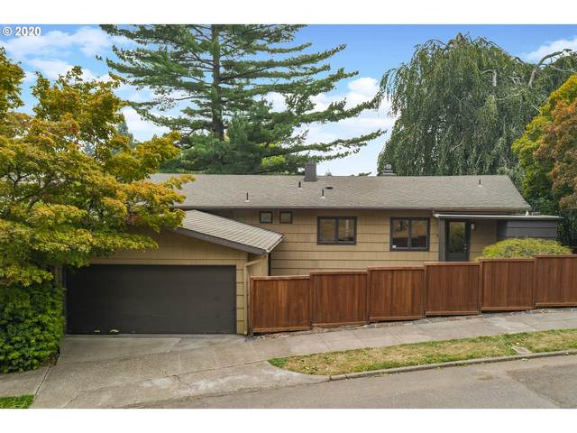 3531 SW Council Crest Dr, Portland, OR 97239 (MLS #20529118) :: Song Real Estate