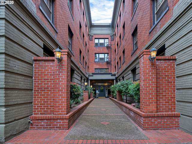 2109 NW Irving St #401, Portland, OR 97210 (MLS #20534825) :: Townsend Jarvis Group Real Estate