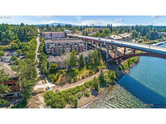 196 SE Spokane St #410, Portland, OR 97202 (MLS #20535343) :: Song Real Estate