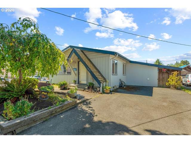 1215 S 4th St, Kelso, WA 98626 (MLS #20538669) :: Fox Real Estate Group