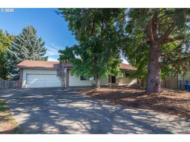 1215 NW Littlewood Ct, Roseburg, OR 97471 (MLS #20539193) :: Real Tour Property Group