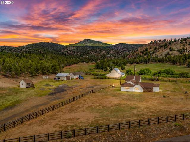 24121 SE Paulina Hwy, Prineville, OR 97754 (MLS #20544757) :: Real Tour Property Group