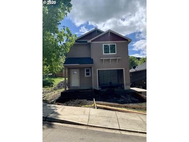 3071 W Woodside Ave, Roseburg, OR 97471 (MLS #20547287) :: Fox Real Estate Group