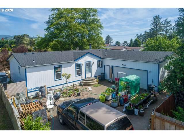99006 W Freeman Ln, Brookings, OR 97415 (MLS #20548290) :: Premiere Property Group LLC