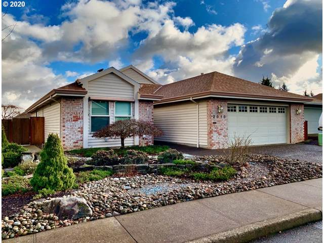 2010 NE 152ND Ct, Portland, OR 97230 (MLS #20548882) :: Next Home Realty Connection