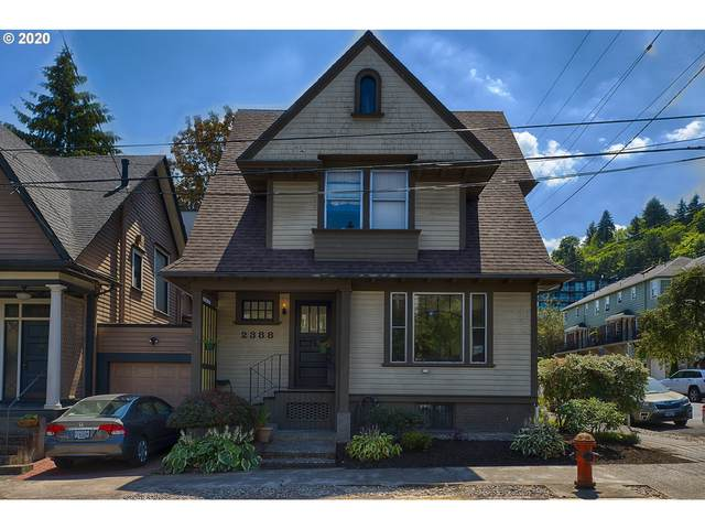 2388 NW Kearney St, Portland, OR 97210 (MLS #20552470) :: The Galand Haas Real Estate Team