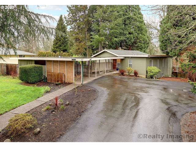 11735 SW Katherine St, Tigard, OR 97223 (MLS #20560093) :: Fox Real Estate Group