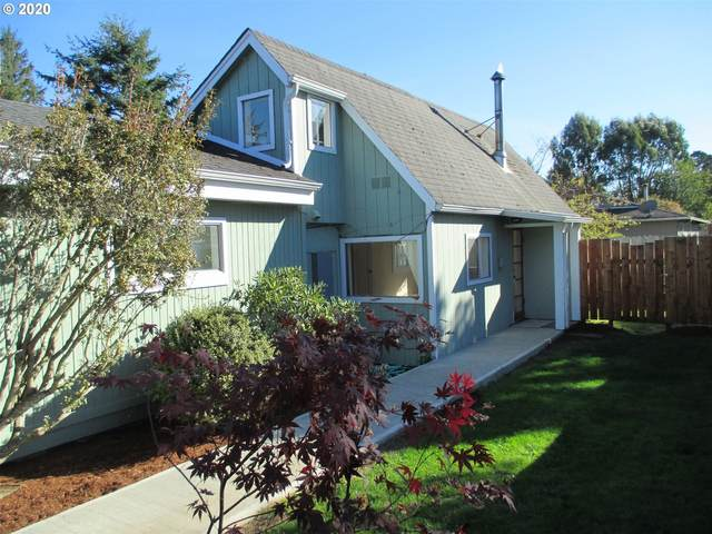 1120 2ND St NE, Bandon, OR 97411 (MLS #20562346) :: Change Realty