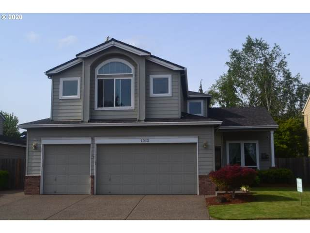 1312 SE 14TH Ave, Canby, OR 97013 (MLS #20562704) :: Townsend Jarvis Group Real Estate