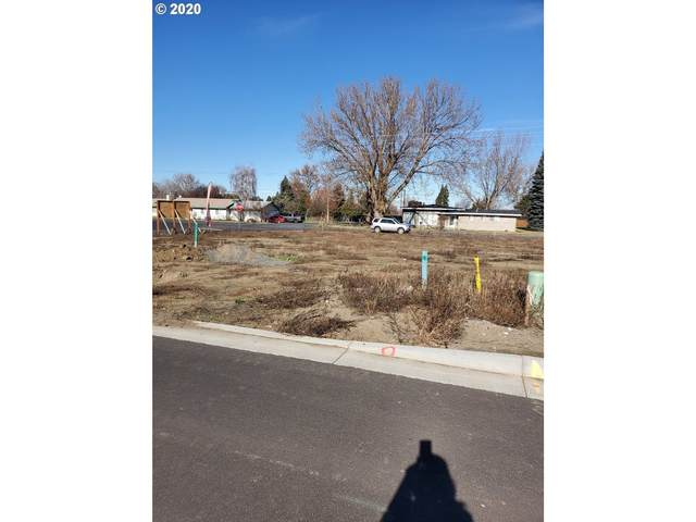 978 SW Coyote Dr, Hermiston, OR 97838 (MLS #20572506) :: Townsend Jarvis Group Real Estate
