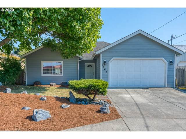 1363 Lakeshore Dr, Coos Bay, OR 97420 (MLS #20579607) :: Change Realty