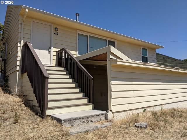 719 NW Johns Pl, Pendleton, OR 97801 (MLS #20580100) :: Beach Loop Realty
