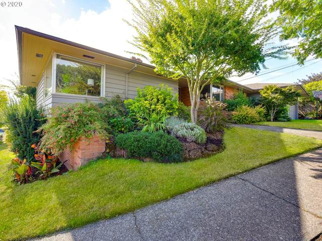 7011 SW 12th Dr, Portland, OR 97219 (MLS #20581241) :: Song Real Estate