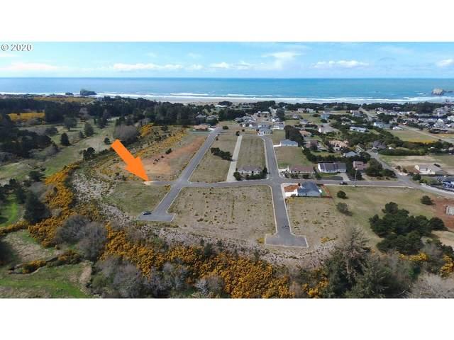 641 Windcrest Dr, Bandon, OR 97411 (MLS #20582513) :: Fox Real Estate Group