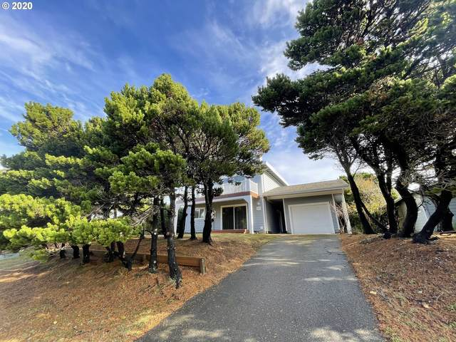 915 Newport Ave, Bandon, OR 97411 (MLS #20582545) :: Premiere Property Group LLC