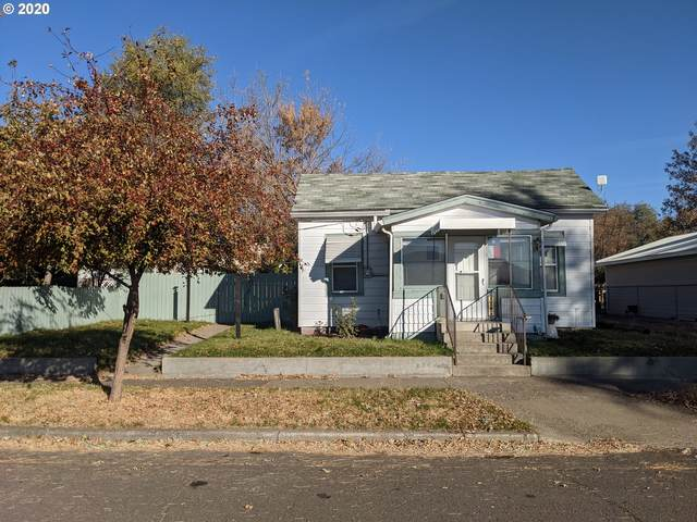 1705 Jackson Ave, La Grande, OR 97850 (MLS #20585690) :: Premiere Property Group LLC