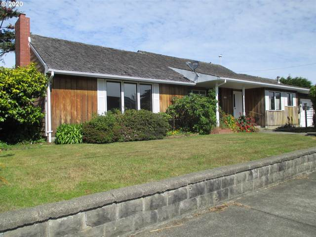 650 Franklin Ave SW, Bandon, OR 97411 (MLS #20587844) :: Change Realty