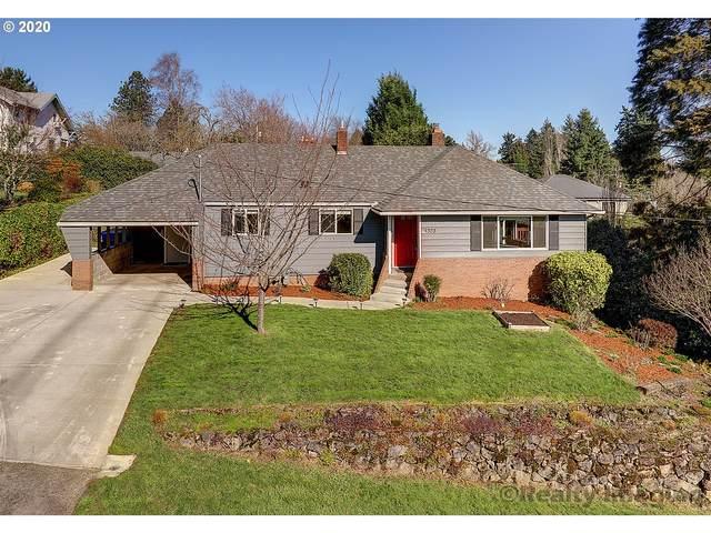 1323 SW Dolph St, Portland, OR 97219 (MLS #20587924) :: McKillion Real Estate Group