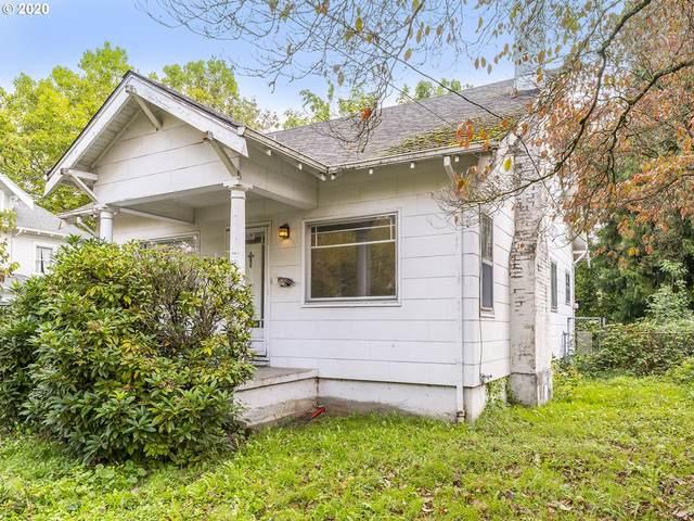 2818 SE 33RD Ave, Portland, OR 97202 (MLS #20590271) :: McKillion Real Estate Group