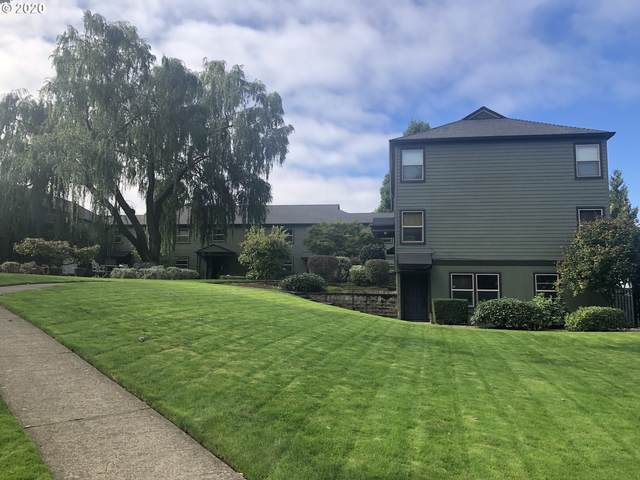 3717 SE 42ND Ave B, Portland, OR 97206 (MLS #20592330) :: The Galand Haas Real Estate Team