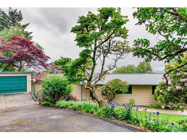 4287 SW Chesapeak Ave, Portland, OR 97239 (MLS #20592926) :: Fox Real Estate Group