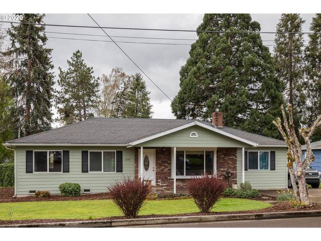 1605 NW Beaumont Ave, Roseburg, OR 97471 (MLS #20593445) :: Townsend Jarvis Group Real Estate
