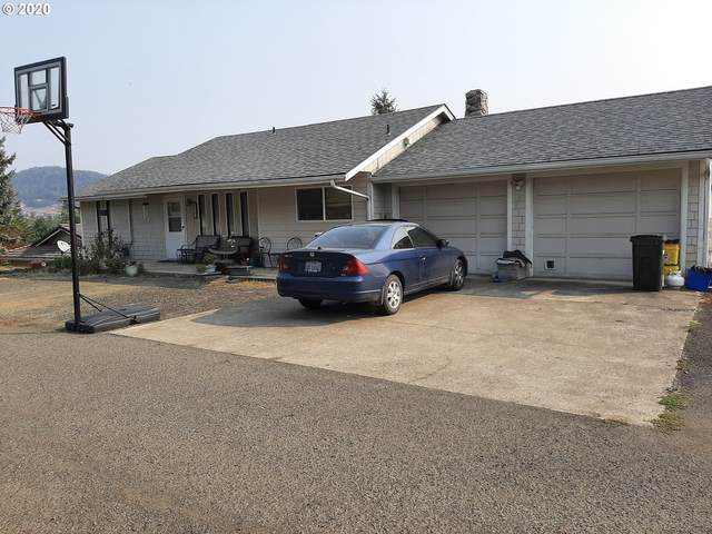 2301 NW Calkins Ave, Roseburg, OR 97471 (MLS #20601193) :: Real Tour Property Group