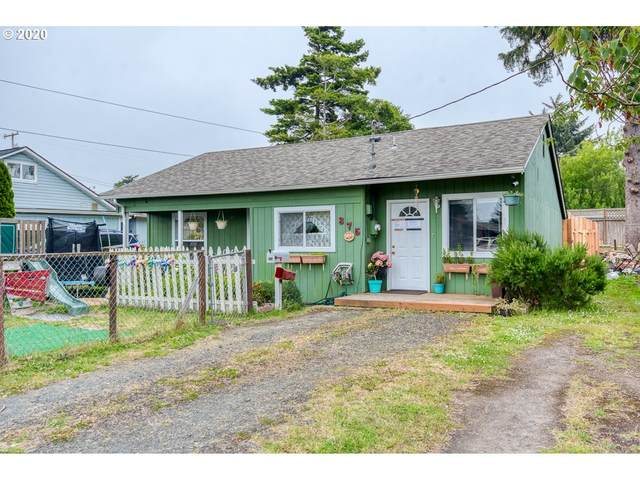 375 N Wasson St, Coos Bay, OR 97420 (MLS #20604383) :: Fox Real Estate Group