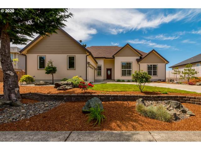 2250 Hayes St, North Bend, OR 97459 (MLS #20605394) :: Fox Real Estate Group