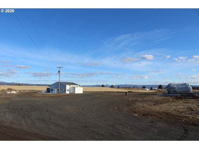 7820 NW Madras Hwy, Prineville, OR 97754 (MLS #20611017) :: McKillion Real Estate Group