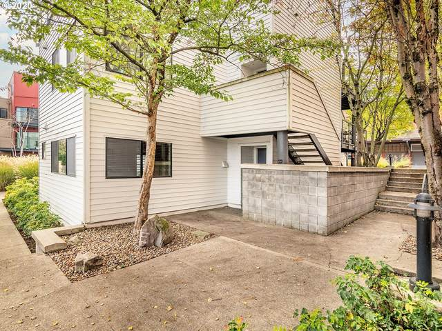 720 NW Naito Pkwy D24, Portland, OR 97209 (MLS #20613241) :: Premiere Property Group LLC