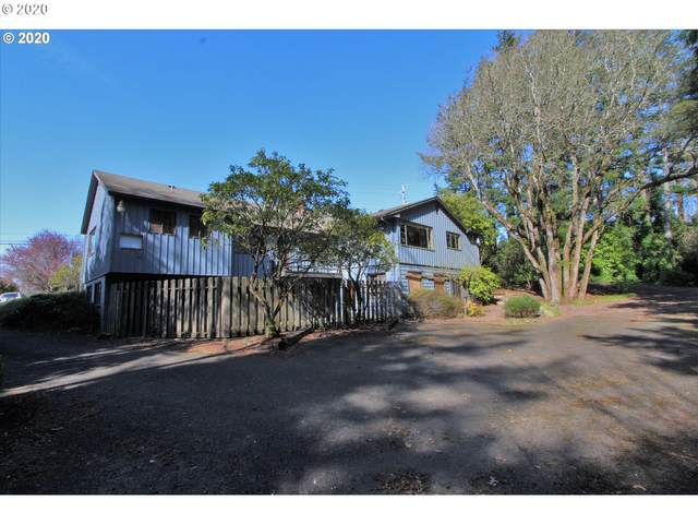 2085 W Thompson Rd, Coos Bay, OR 97420 (MLS #20613413) :: Gustavo Group
