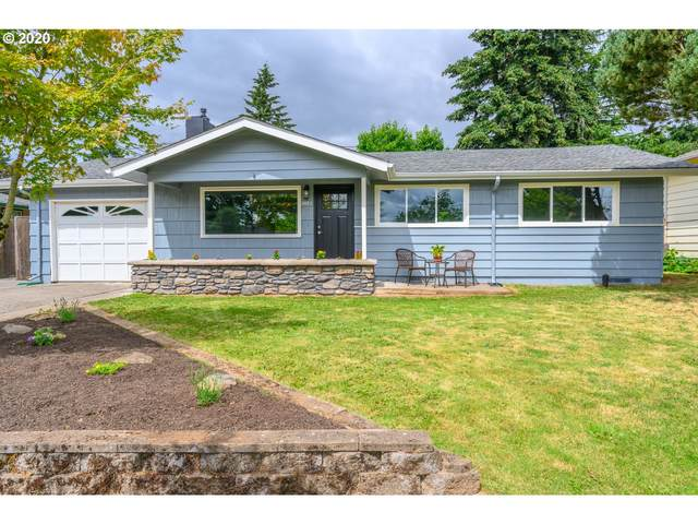 805 SE 143RD Ave, Portland, OR 97233 (MLS #20618785) :: Fox Real Estate Group