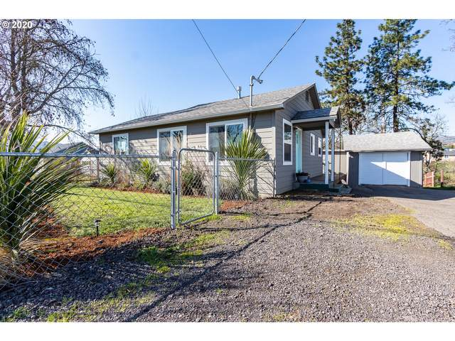 3702 Carnes Rd, Roseburg, OR 97471 (MLS #20619739) :: Townsend Jarvis Group Real Estate
