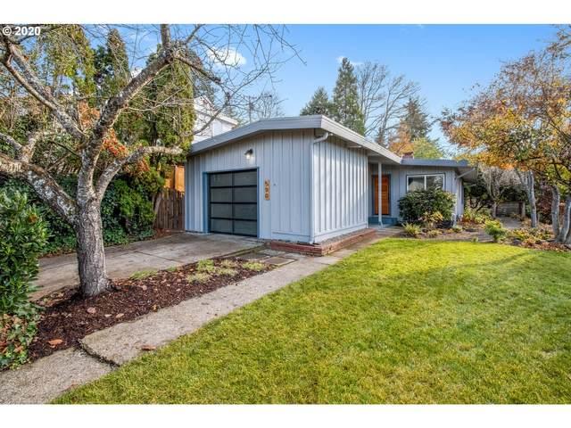 590 W 25TH Pl, Eugene, OR 97405 (MLS #20622851) :: Song Real Estate