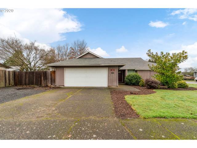 1800 Cedar St, Newberg, OR 97132 (MLS #20623735) :: Next Home Realty Connection