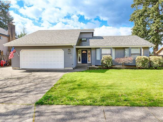 1205 N Oak St, Canby, OR 97013 (MLS #20624557) :: Fox Real Estate Group