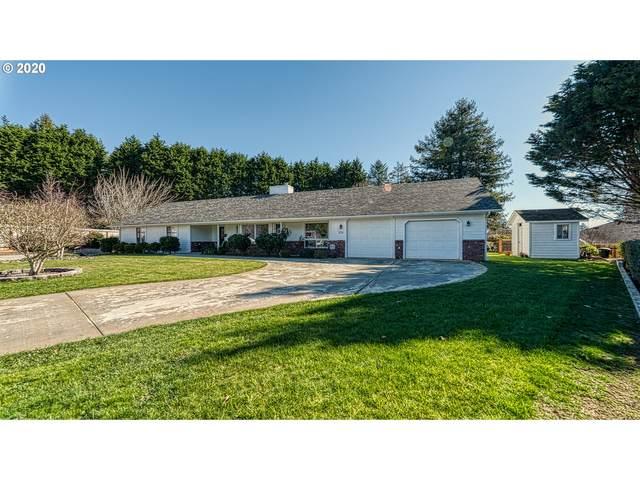 914 Midland Way, Brookings, OR 97415 (MLS #20624575) :: McKillion Real Estate Group