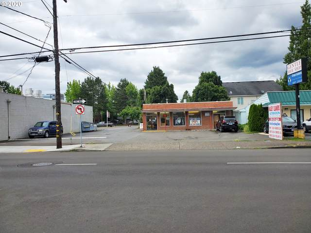 10919 NE Halsey St, Portland, OR 97220 (MLS #20626040) :: The Liu Group