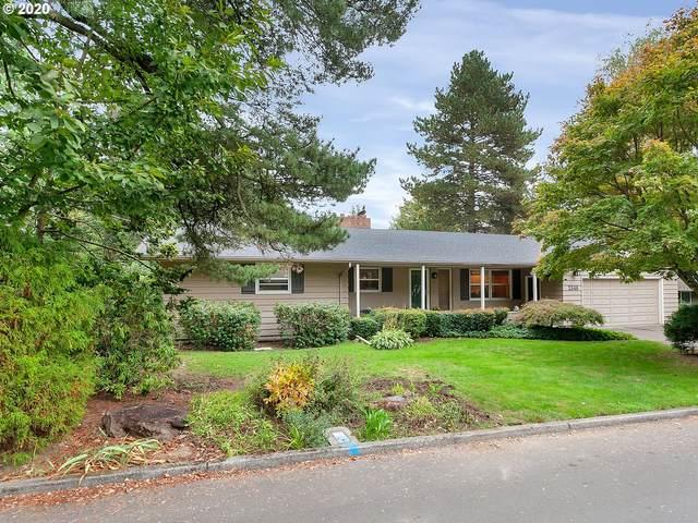 2340 SW Garden View Ave, Portland, OR 97225 (MLS #20629128) :: Stellar Realty Northwest