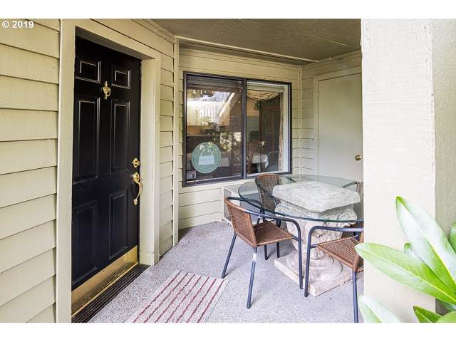 5053 Foothills Dr D, Lake Oswego, OR 97034 (MLS #20629476) :: Matin Real Estate Group