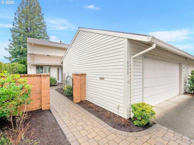 9440 SW Lakeside Dr, Tigard, OR 97224 (MLS #20632023) :: McKillion Real Estate Group