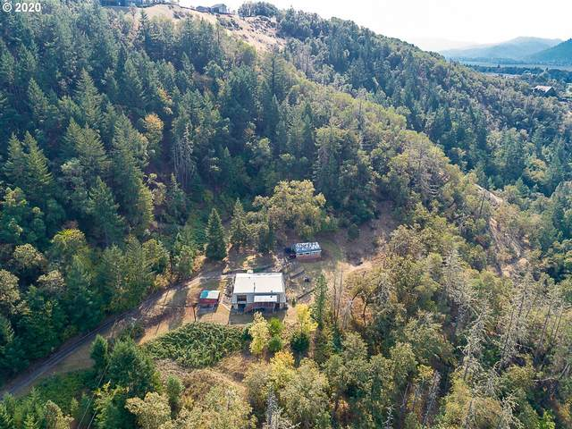 331 Hemlock Ln, Roseburg, OR 97471 (MLS #20632430) :: Duncan Real Estate Group