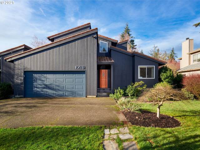 10531 SW 30TH Ave, Portland, OR 97219 (MLS #20635221) :: Next Home Realty Connection