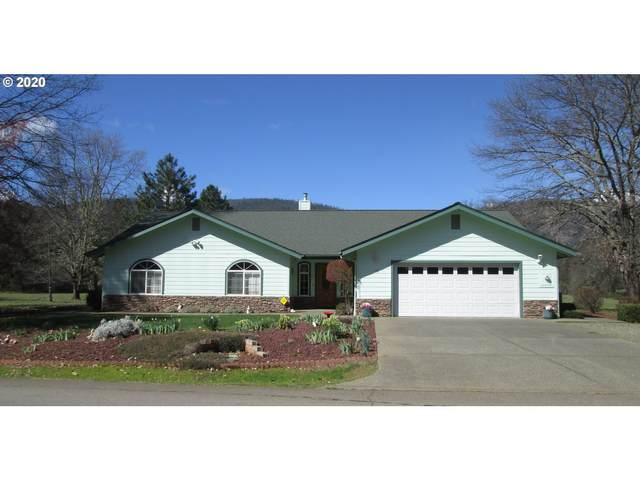 176 Ollis Rd, Cave Junction, OR 97523 (MLS #20636424) :: Song Real Estate