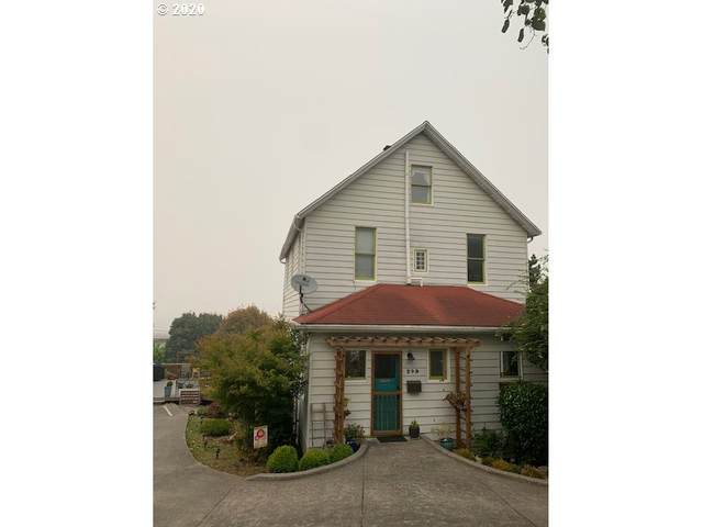 249 W Exchange St, Astoria, OR 97103 (MLS #20641135) :: Song Real Estate