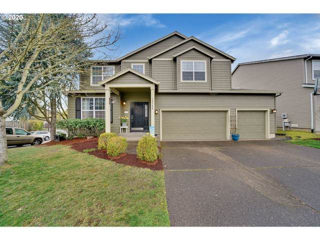 13745 SW 163RD Pl, Tigard, OR 97223 (MLS #20644490) :: Song Real Estate