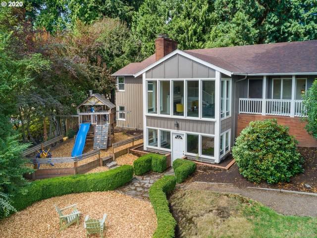 3040 SW Westwood Dr, Portland, OR 97225 (MLS #20647993) :: Next Home Realty Connection