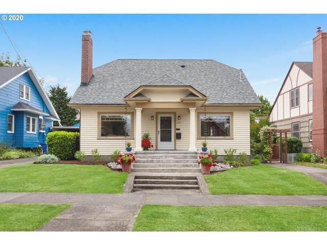 1451 SE Malden St, Portland, OR 97202 (MLS #20667967) :: Holdhusen Real Estate Group